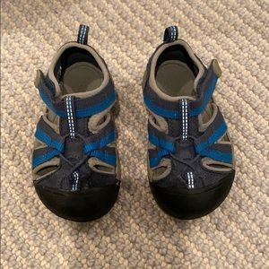 Keen toddler sandals size 6